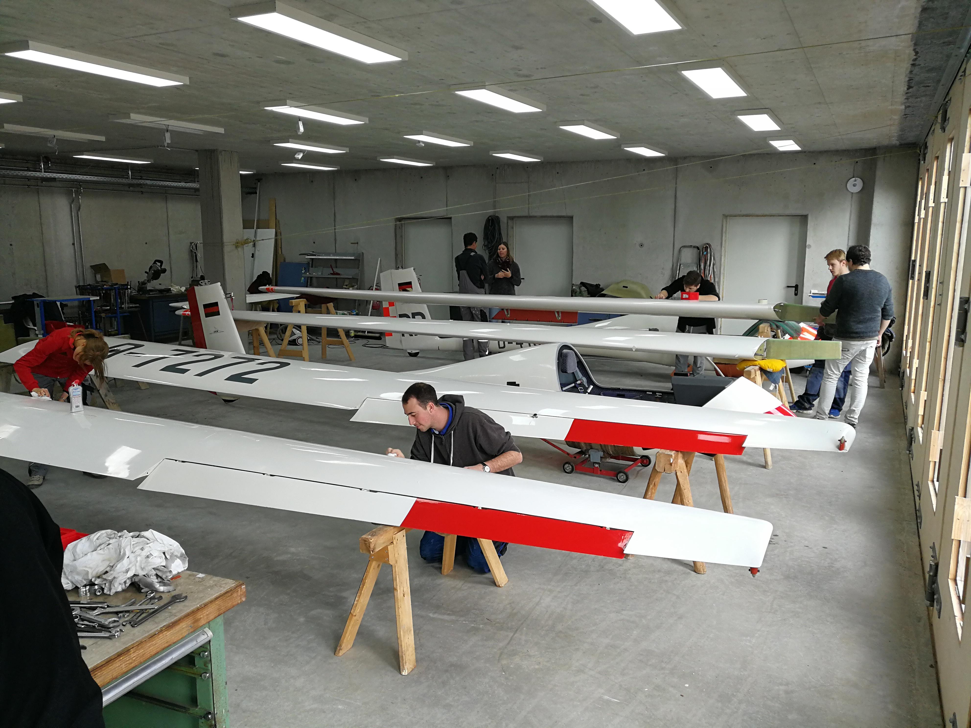 Winterarbeit an den Segelflugzeugen begonnen